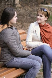 1124722_girls_talking_women_issues